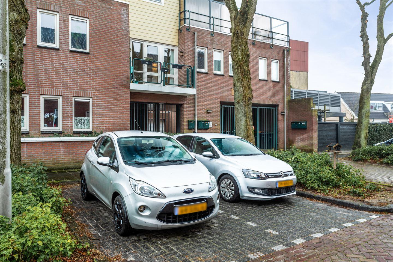 Bekijk foto 3 van Wilhelminaplein 17