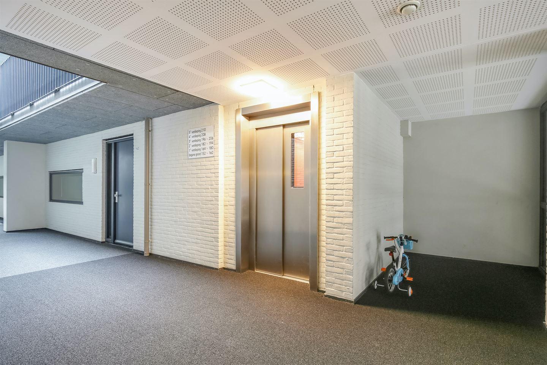 Bekijk foto 4 van Johan van der Keukenstraat 204 +PP