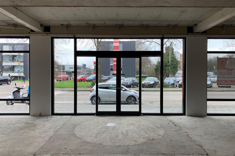 Bekijk foto 3 van Winkelcentrum De Schoof 240