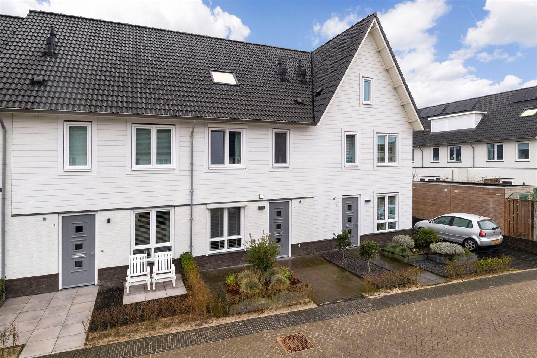 Bekijk foto 1 van Esterelstraat 18