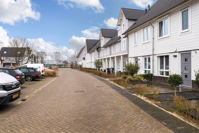 Bekijk foto 2 van Esterelstraat 18