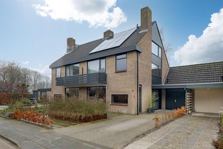 View photo 1 of De Vos van Steenwijkstraat 84