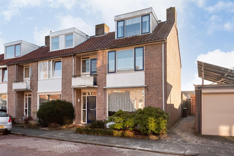 Bekijk foto 1 van Min. Ruys de Beerenbrouckstraat 2