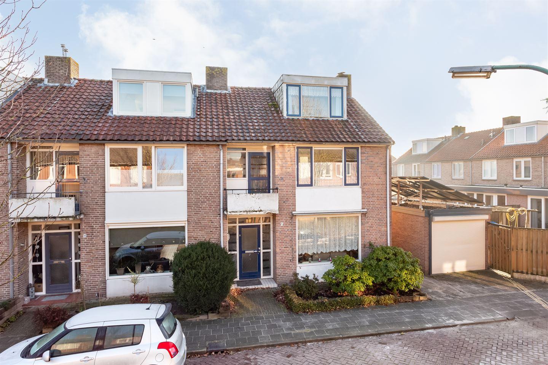 Bekijk foto 3 van Min. Ruys de Beerenbrouckstraat 2