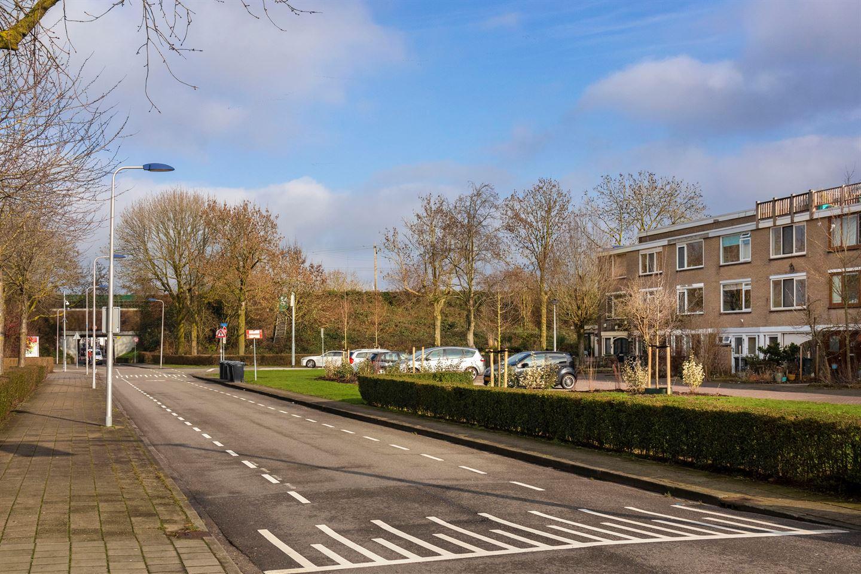 Bekijk foto 2 van Jan van Riebeeckstraat 10