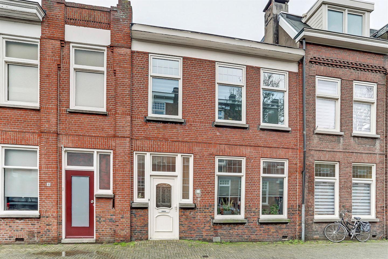 Bekijk foto 1 van Burgemeester Hulshofstraat 14