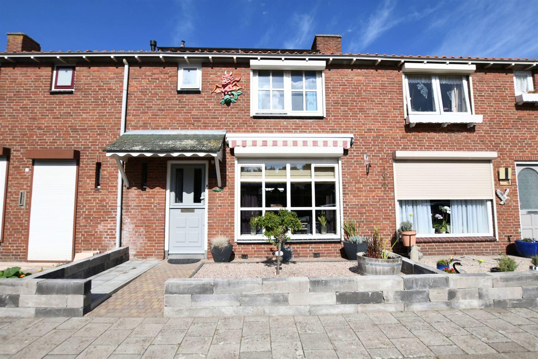 Bekijk foto 1 van van de Moerstraat 3