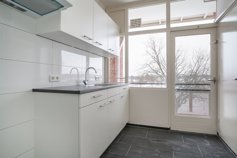 Bekijk foto 5 van Van Musschenbroekstraat 74 4