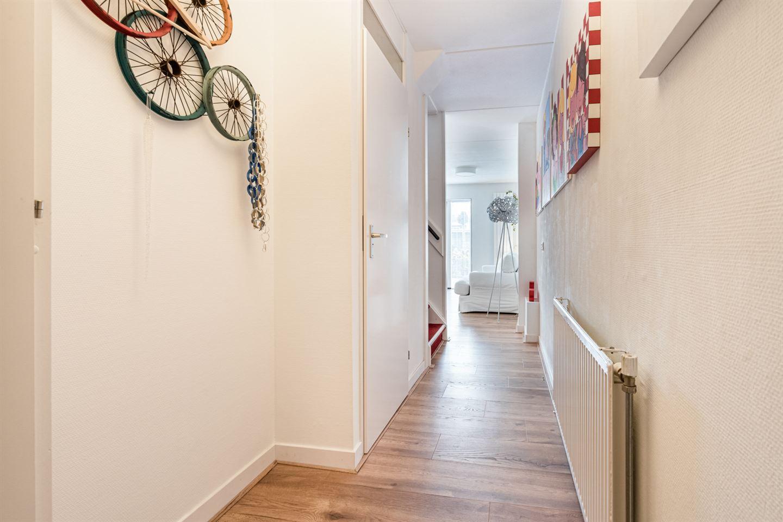 Bekijk foto 2 van Van Goghstraat 6