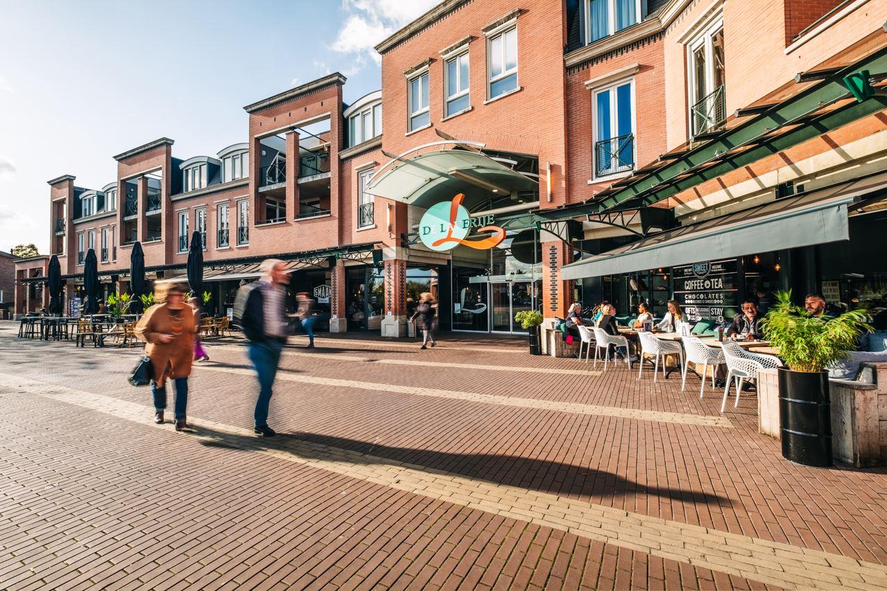 Bekijk foto 2 van Wilhelminaplein 24-25