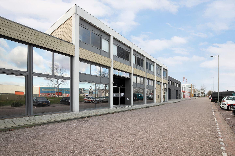 Bekijk foto 2 van Van der Madeweg 5
