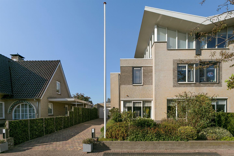 Bekijk foto 3 van Theo van Doesburglaan 11