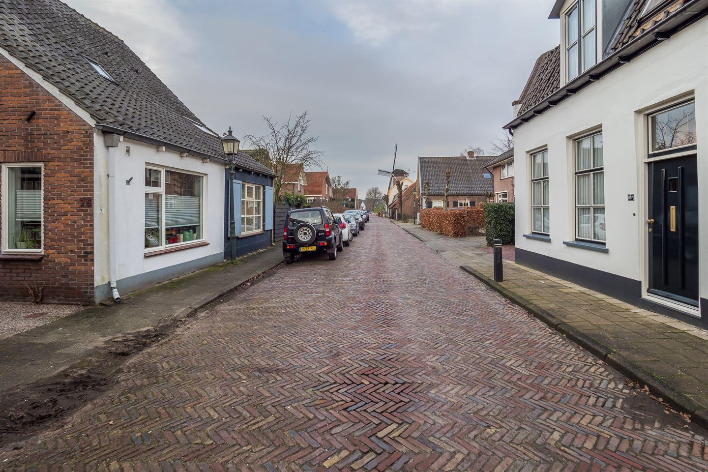 Bekijk foto 2 van Burgemeester van den Boschstraat 78