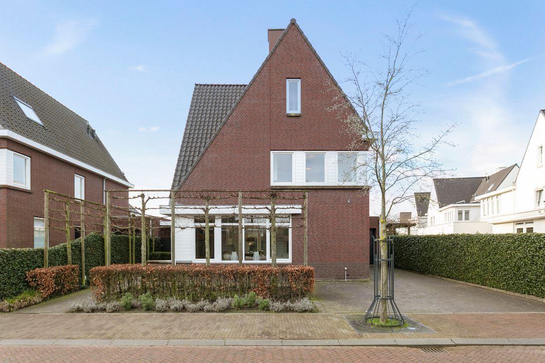 Bekijk foto 1 van Kapitein Frensstraat 2