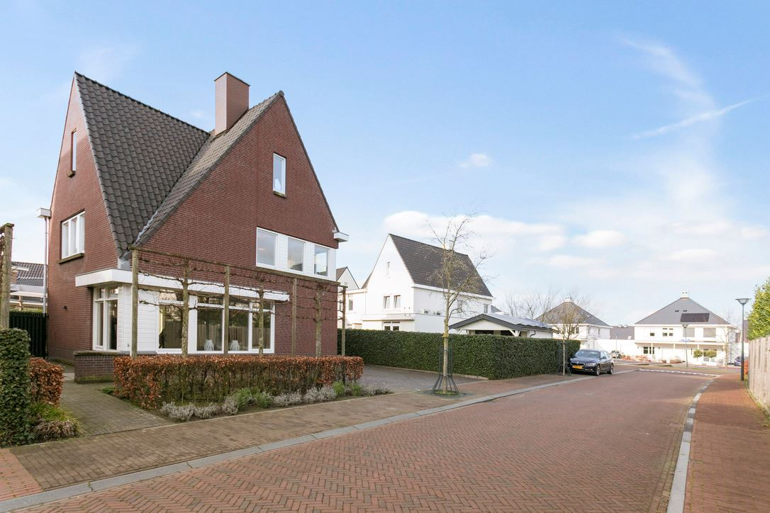Bekijk foto 5 van Kapitein Frensstraat 2