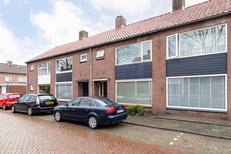 Bekijk foto 2 van Graaf Albrechtstraat 13
