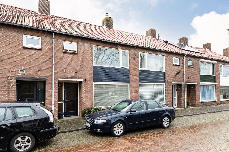 Bekijk foto 3 van Graaf Albrechtstraat 13