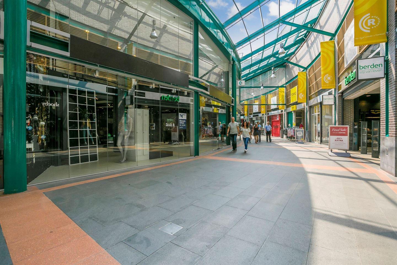 Bekijk foto 4 van Winkelcentrum ROERCENTER