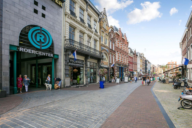 Bekijk foto 2 van Winkelcentrum ROERCENTER