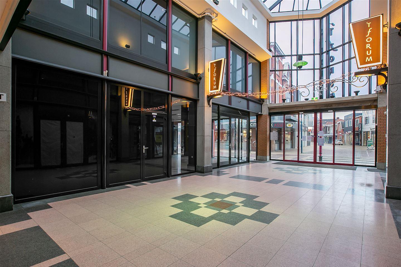 Bekijk foto 3 van Winkelunits Forum Noord