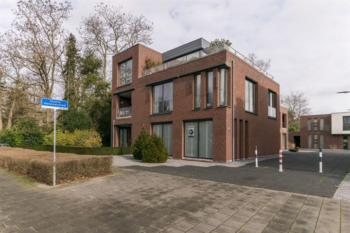 Hendrik Veenemanstraat 38