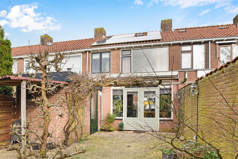 Bekijk foto 1 van Beemsterstraat 66