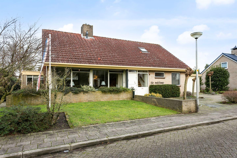 Bekijk foto 3 van van der Helststraat 4