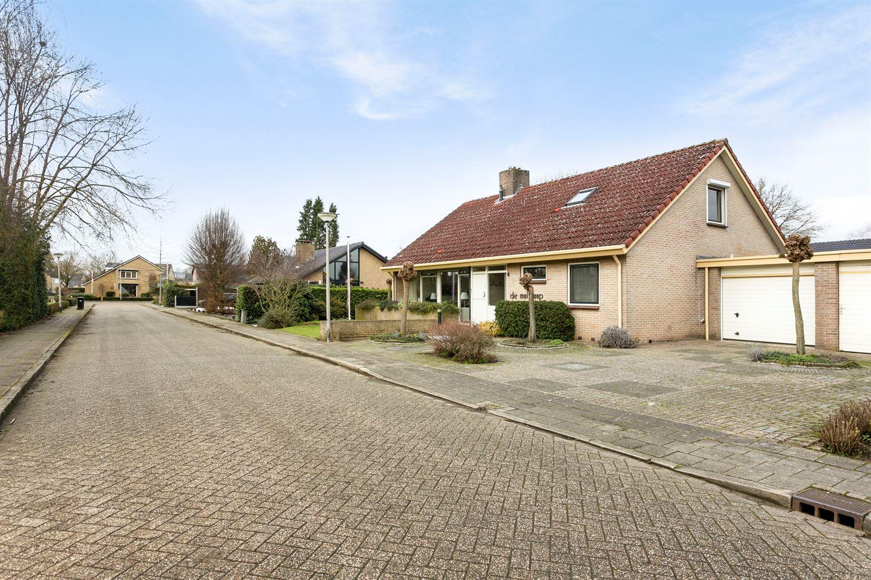 Bekijk foto 4 van van der Helststraat 4