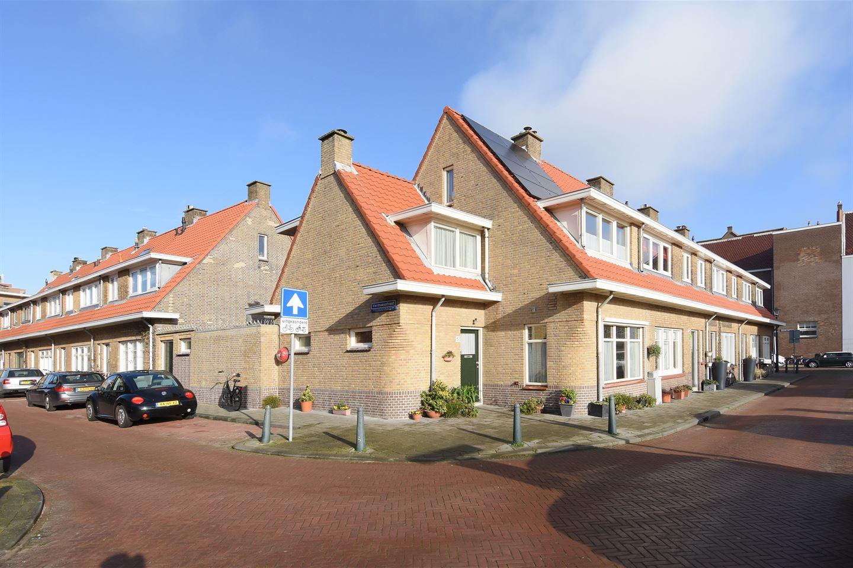 Bekijk foto 1 van Adriaan Coenenstraat 5
