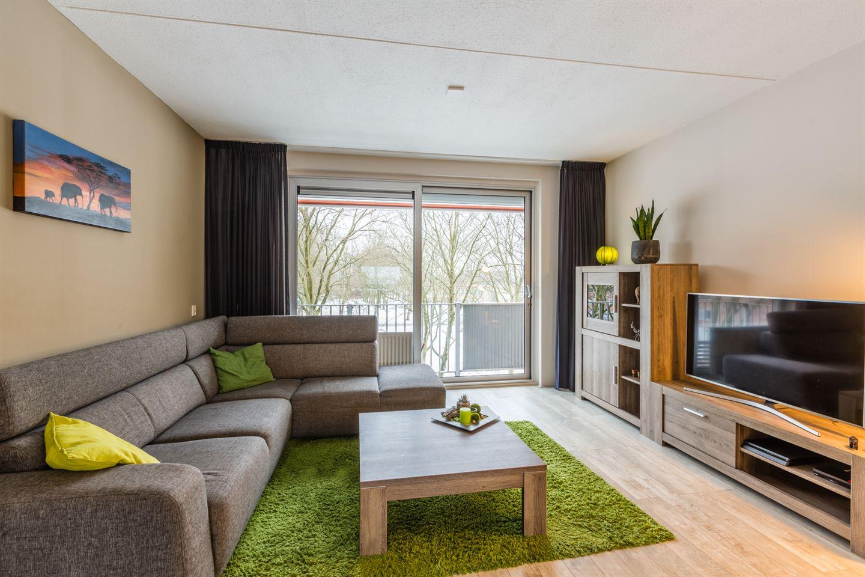 Bekijk foto 2 van Rijnauwenstraat 47