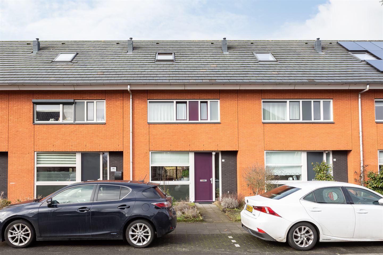 View photo 1 of Anna Marie van Schurmanstraat 27