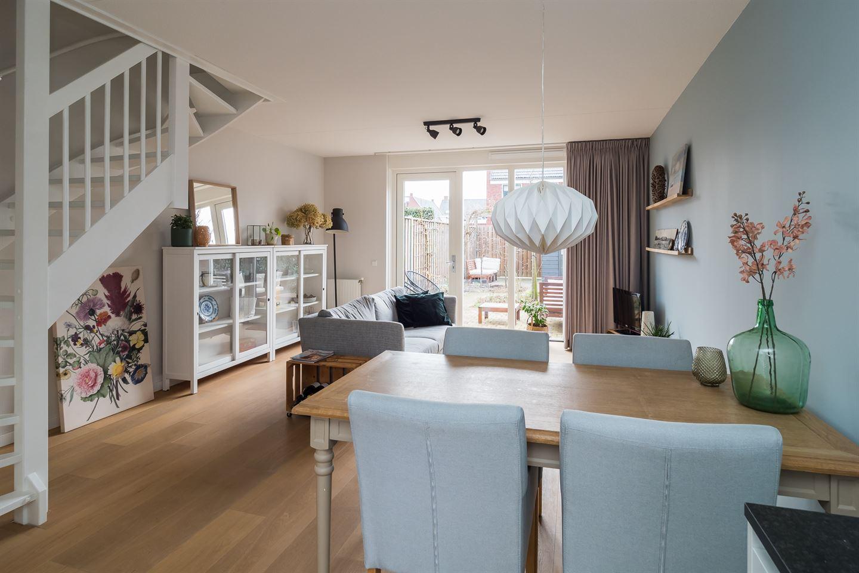 Bekijk foto 3 van Buitenhof 42