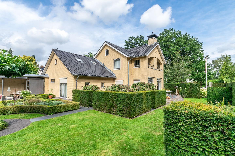 View photo 1 of van Limburg Stirumstraat 40