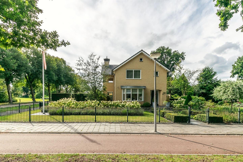 View photo 2 of van Limburg Stirumstraat 40