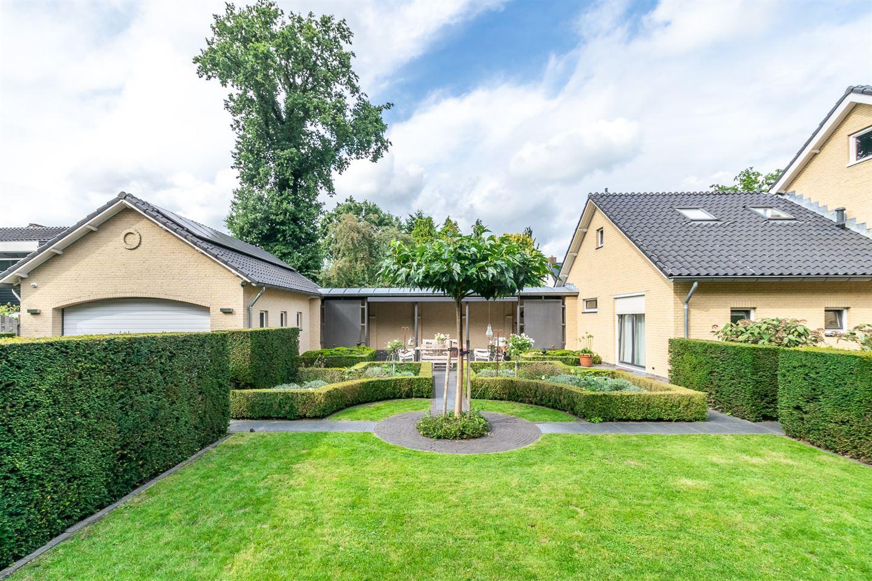View photo 4 of van Limburg Stirumstraat 40