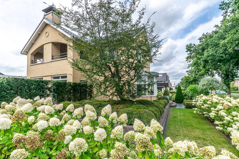 View photo 3 of van Limburg Stirumstraat 40