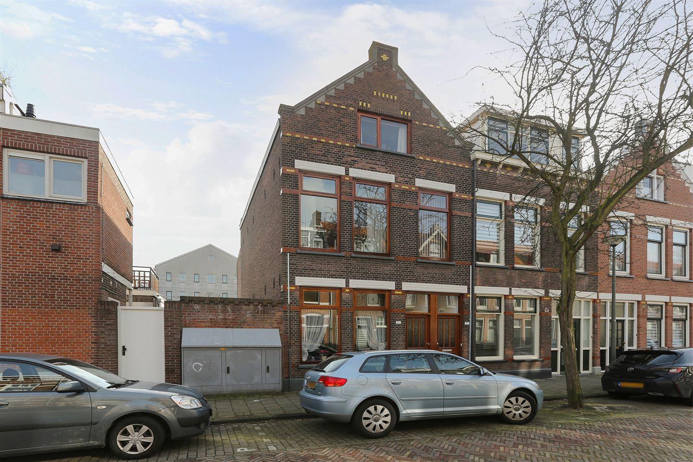 Bekijk foto 1 van Prins Frederik Hendrikstraat 3 b