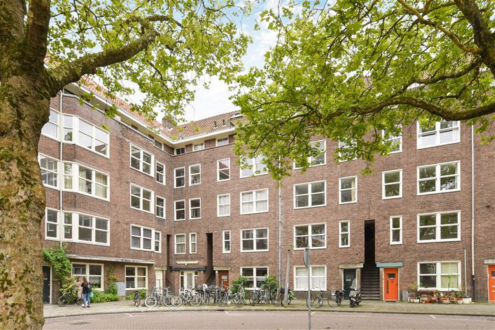 Pieter van der Doesstraat 32 III/IV