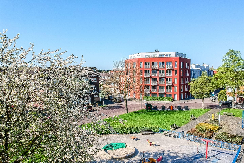 Bekijk foto 2 van Van Koetsveldstraat 112