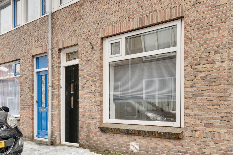 View photo 2 of Mr. de Fremerystraat 59