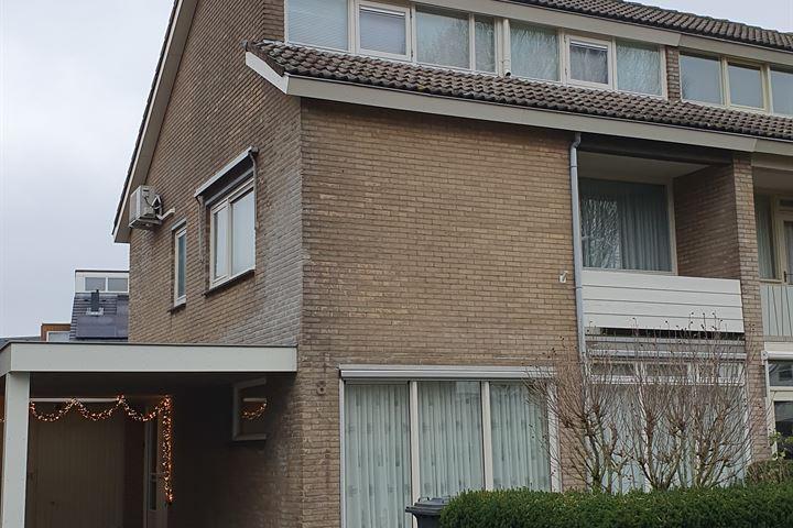 Beneluxstraat 8