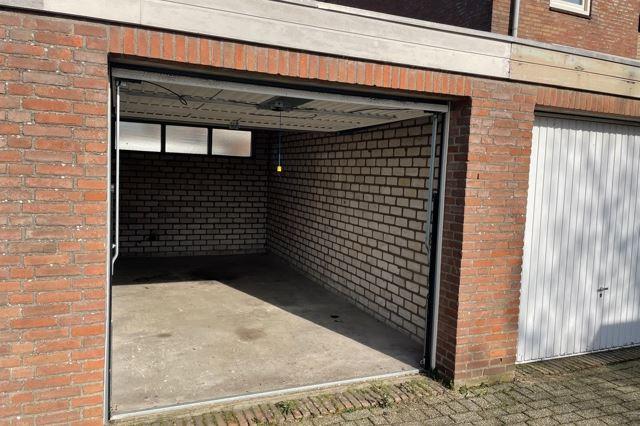 Bekijk foto 2 van Iepenhof 6 C