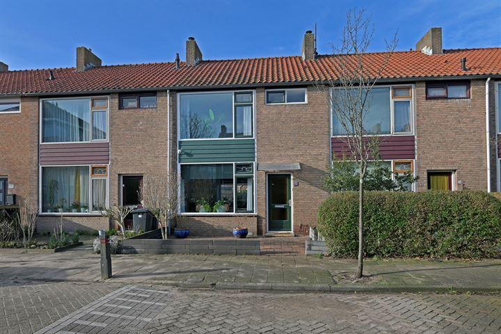 A.J. van Reststraat 26