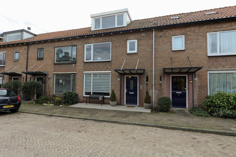 View photo 2 of Willem Klooslaan 5
