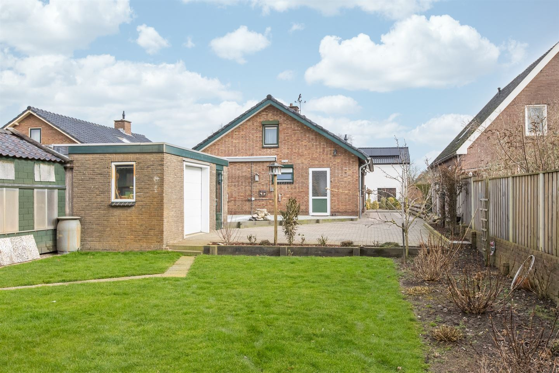 Bekijk foto 2 van Vredenburgstraat 22 B
