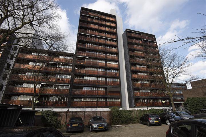 Burg. Hustinxstraat 236