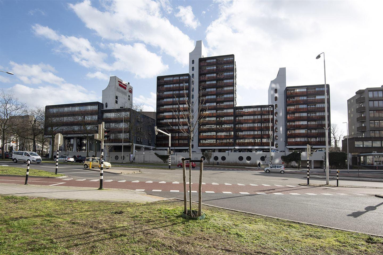 Bekijk foto 2 van Burg. Hustinxstraat 236