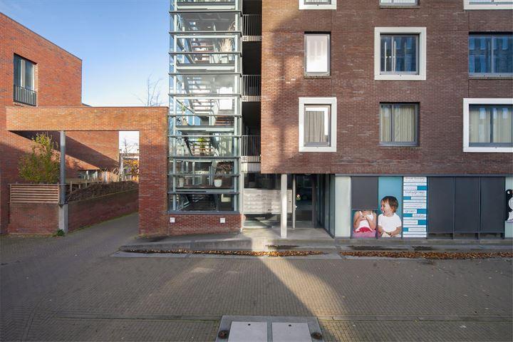 Erich Salomonstraat 603