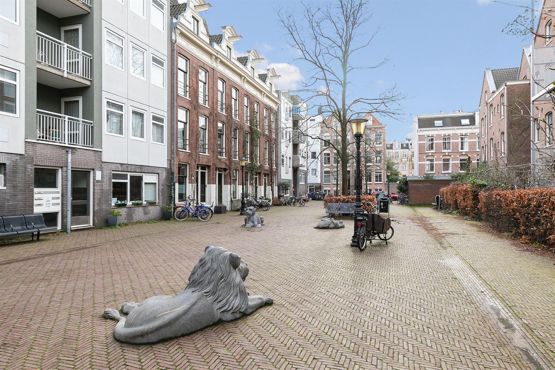 View photo 2 of Leeuwenhoekstraat 57