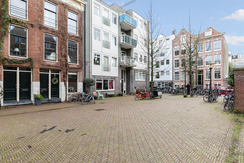 View photo 3 of Leeuwenhoekstraat 57